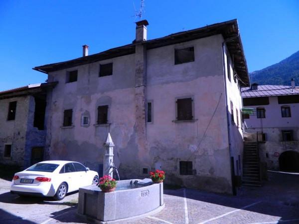 Palazzo in Vendita a Pelugo: 5 locali, 500 mq