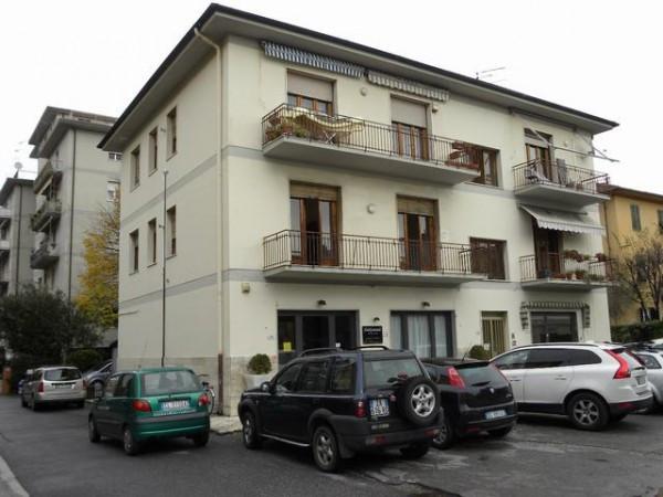 Appartamento in Vendita a Lucca Periferia Ovest: 5 locali, 80 mq