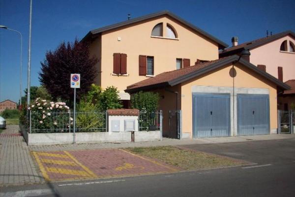 Villa in Vendita a Correggio: 2 locali, 125 mq