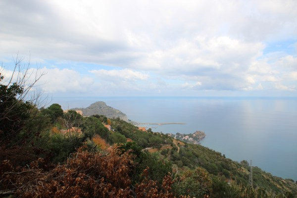 Terreno residenziale in Vendita a Cefalu' Periferia: 10500 mq