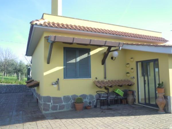 Soluzione Indipendente in vendita a Lanuvio, 6 locali, prezzo € 295.000 | Cambio Casa.it