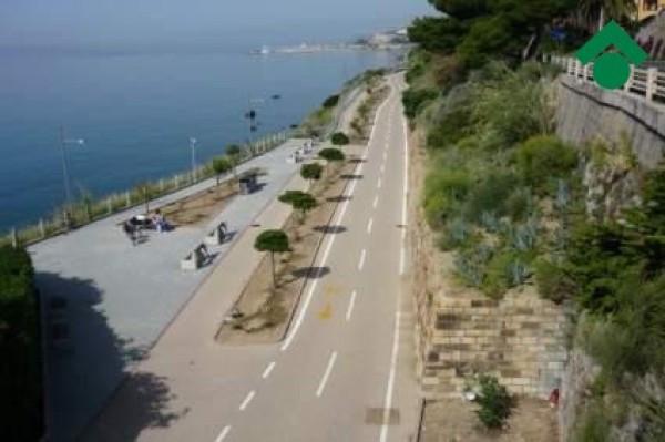 Bilocale San Lorenzo al Mare Via Aurelia 2