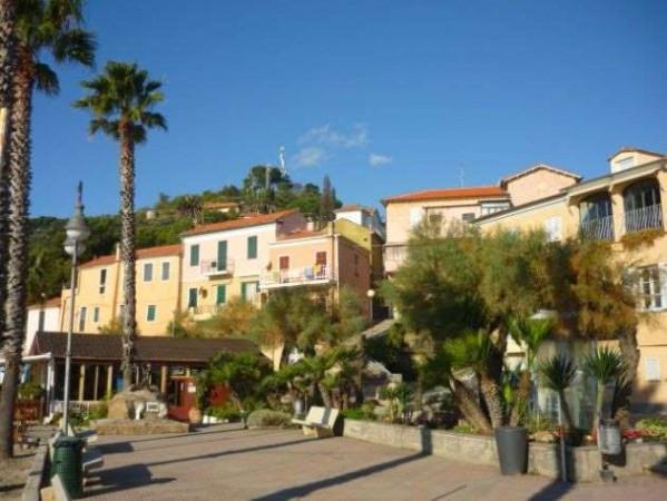 Bilocale San Lorenzo al Mare Via Aurelia 9