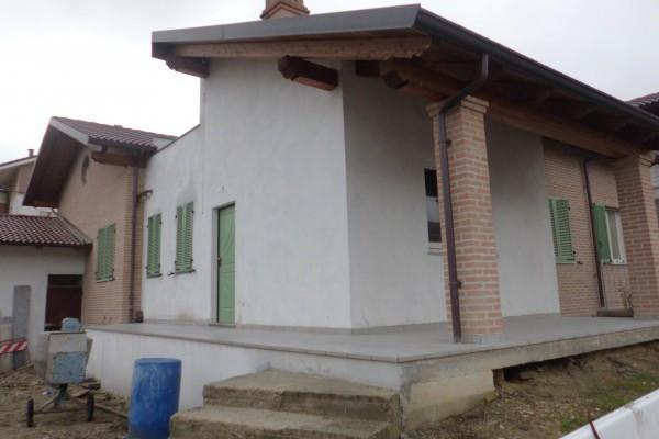 Villa in vendita a Pocapaglia, 6 locali, prezzo € 275.000 | CambioCasa.it