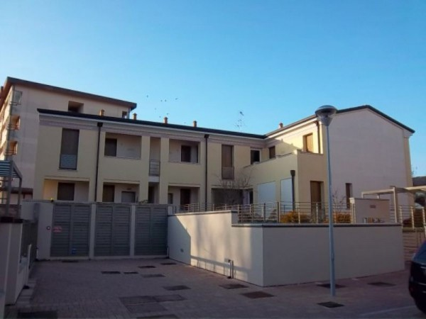 Bilocale Castelvetro Piacentino Via Pomello 1