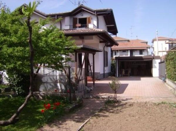 Villa in vendita a Busto Arsizio, 5 locali, prezzo € 450.000 | Cambio Casa.it