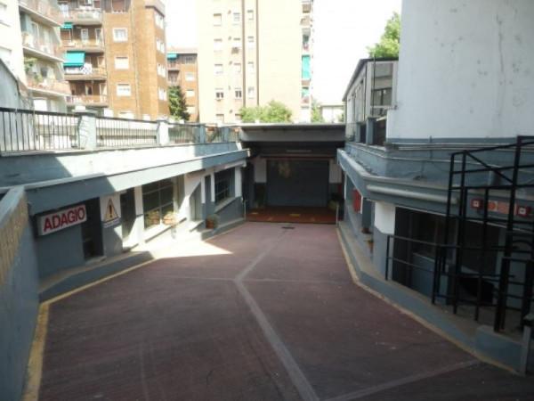 Box garage in vendita a milano for Due garage di storia in vendita