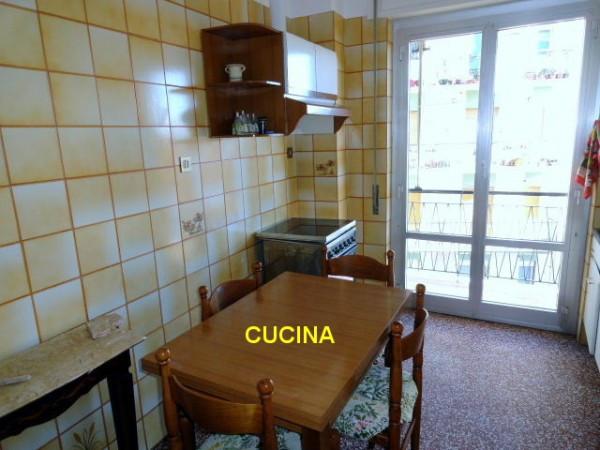 Bilocale Genova Via Gian Battista Gaulli 2