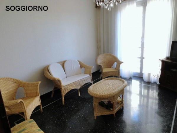 Bilocale Genova Via Gian Battista Gaulli 3