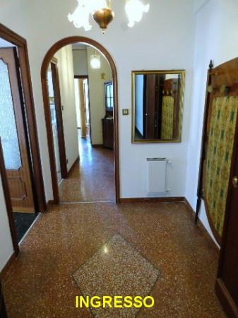 Bilocale Genova Via Gian Battista Gaulli 5