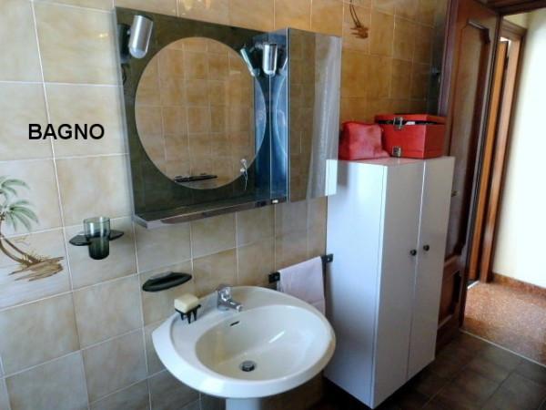 Bilocale Genova Via Gian Battista Gaulli 9