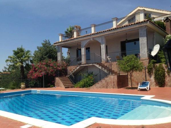 Villa in Vendita a Mascalucia Semicentro: 5 locali, 500 mq