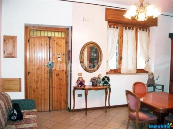 Appartamento in vendita a Oria, 4 locali, prezzo € 90.000 | Cambio Casa.it
