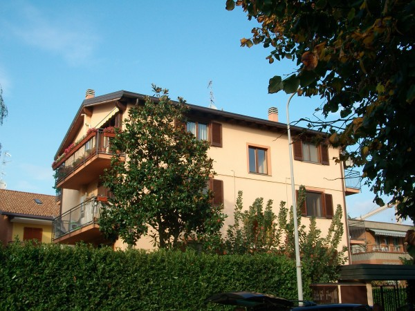 Bilocale Trezzano sul Naviglio Via Giotto 2
