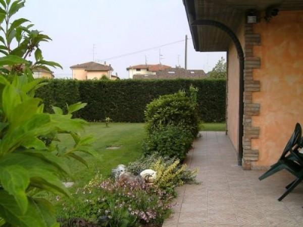 Villa in vendita a Ravarino, 6 locali, prezzo € 350.000 | CambioCasa.it