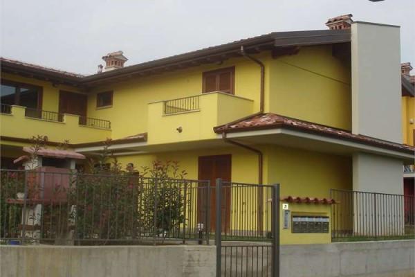 Villa a Schiera in vendita a Osio Sotto, 4 locali, prezzo € 310.000   Cambiocasa.it