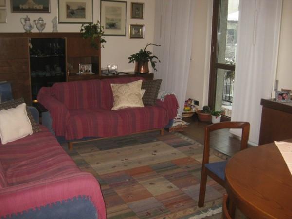 Appartamento in vendita a Cantù, 3 locali, prezzo € 120.000 | Cambiocasa.it