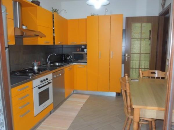 Villa in vendita a Veruno, 4 locali, prezzo € 160.000   Cambio Casa.it