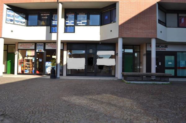 Negozio / Locale in affitto a Villafranca di Verona, 2 locali, prezzo € 1.000 | Cambio Casa.it