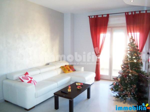 Appartamento in vendita a Oria, 6 locali, prezzo € 150.000 | Cambio Casa.it