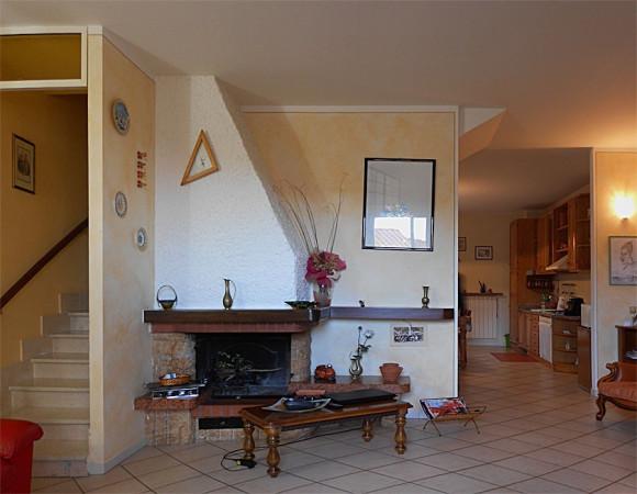 Villa in vendita a Buti, 6 locali, prezzo € 220.000 | CambioCasa.it