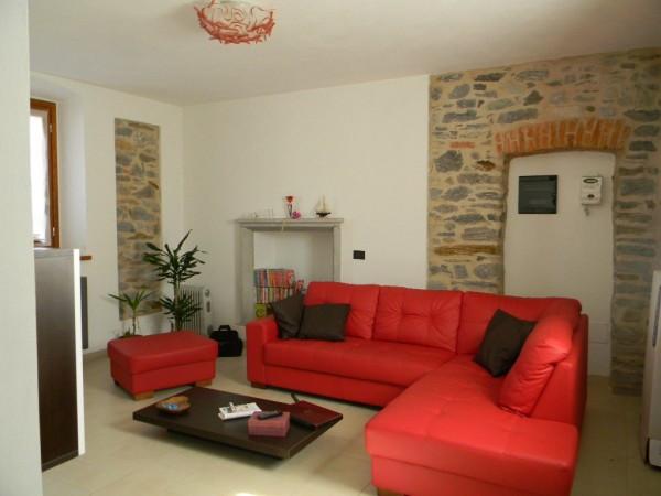 Villa in vendita a Brebbia, 6 locali, prezzo € 240.000 | Cambio Casa.it
