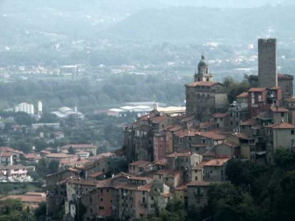 Bilocale Santo Stefano di Magra Via Cisa Sud 8