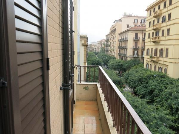 Bilocale Palermo Via Sammartino 1