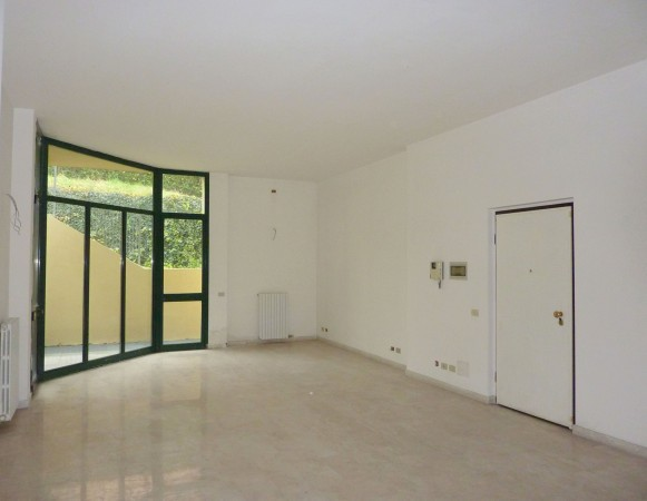 Negozio / Locale in vendita a Bulgarograsso, 1 locali, prezzo € 90.000 | Cambio Casa.it