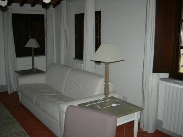 Bilocale Palaia Via Castello 2