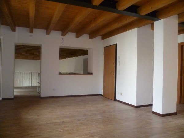 Loft open space in affitto a schio w4962160 for Loft affitto roma