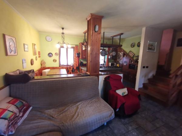 Soluzione Indipendente in vendita a Morbegno, 6 locali, prezzo € 200.000 | Cambio Casa.it
