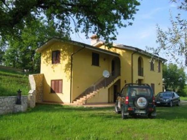 Appartamento in affitto a Colledara, 6 locali, prezzo € 300 | Cambio Casa.it