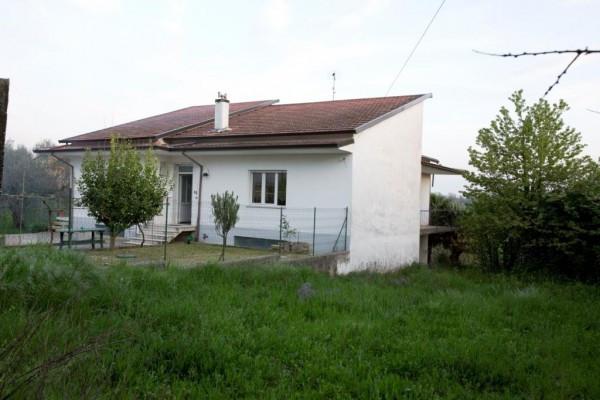 Villa in vendita a Caianello, 6 locali, prezzo € 180.000 | Cambio Casa.it
