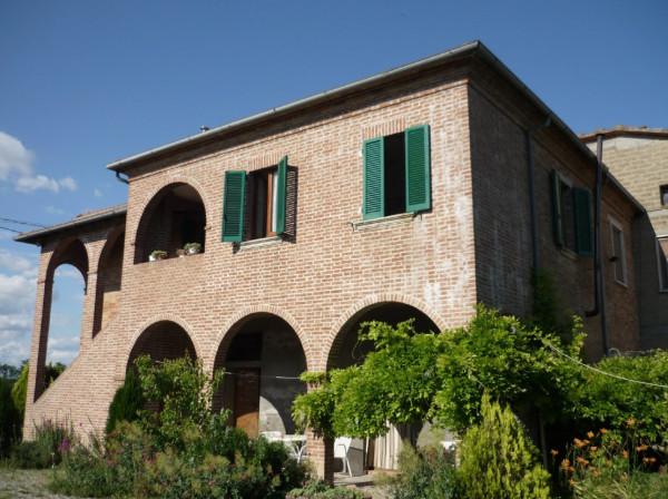 Rustico / Casale in vendita a Montepulciano, 4 locali, prezzo € 249.000 | Cambio Casa.it
