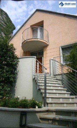 Villa in vendita a Seregno, 4 locali, prezzo € 690.000 | Cambiocasa.it