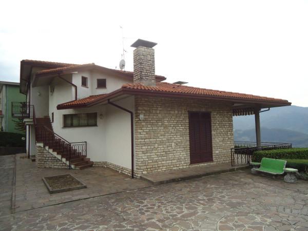 Villa in vendita a Monte Marenzo, 6 locali, Trattative riservate | Cambio Casa.it