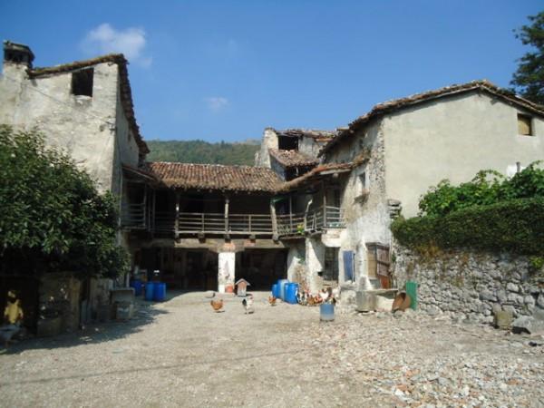 Rustico / Casale in vendita a Eupilio, 6 locali, Trattative riservate | Cambio Casa.it