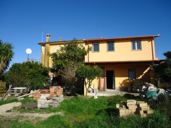 Il tetto immobiliare a anguillara sabazia casa for Ville vendita roma