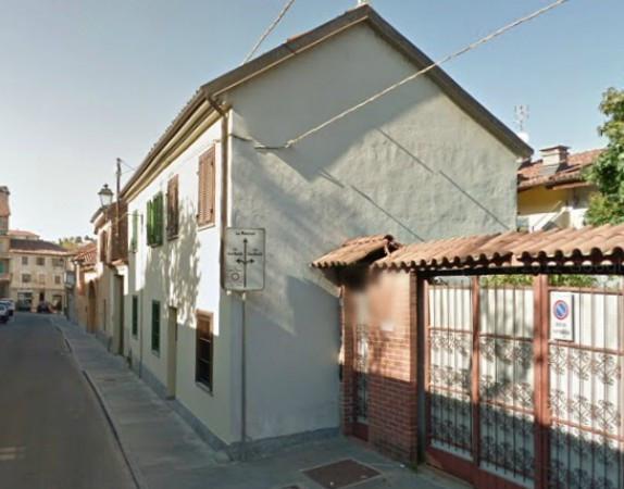 Bilocale Chieri Via Avezzana 1