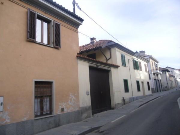 Bilocale Chieri Via Avezzana 2