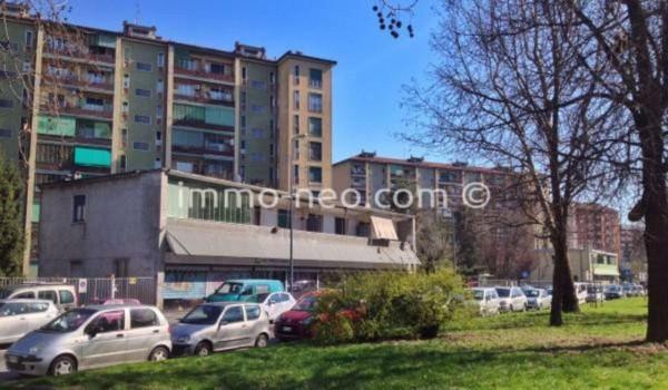 Bilocale Milano Via Angelo Inganni 10