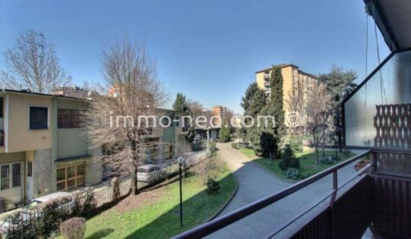 Bilocale Milano Via Angelo Inganni 3