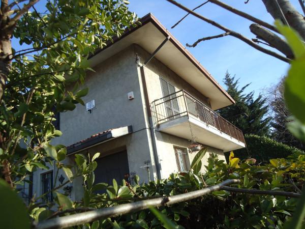 Villa in vendita a Colle Brianza, 6 locali, Trattative riservate | Cambio Casa.it