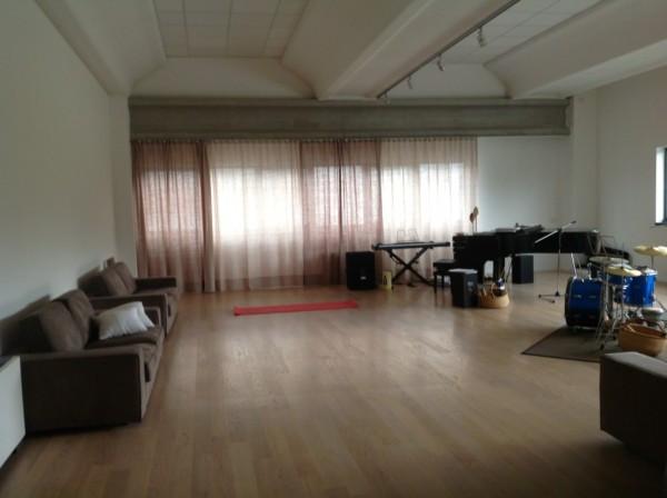 Laboratorio in vendita a Faloppio, 3 locali, Trattative riservate | Cambio Casa.it