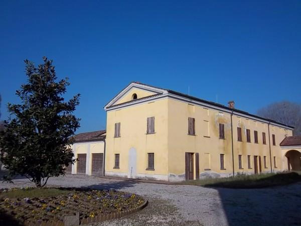Soluzione Indipendente in vendita a Cremona, 6 locali, Trattative riservate | Cambio Casa.it