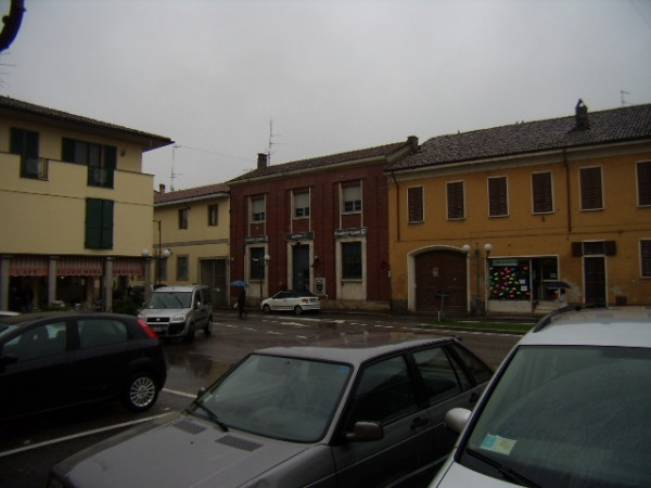 Ufficio / Studio in vendita a Chignolo Po, 9999 locali, prezzo € 300.000 | Cambio Casa.it