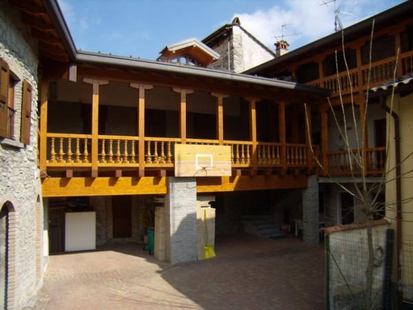 Soluzione Indipendente in vendita a Sormano, 6 locali, prezzo € 140.000 | Cambio Casa.it