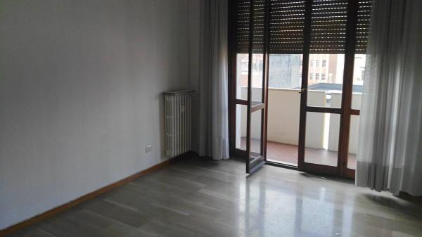 Bilocale Milano Via Privata Mauro Rota 4