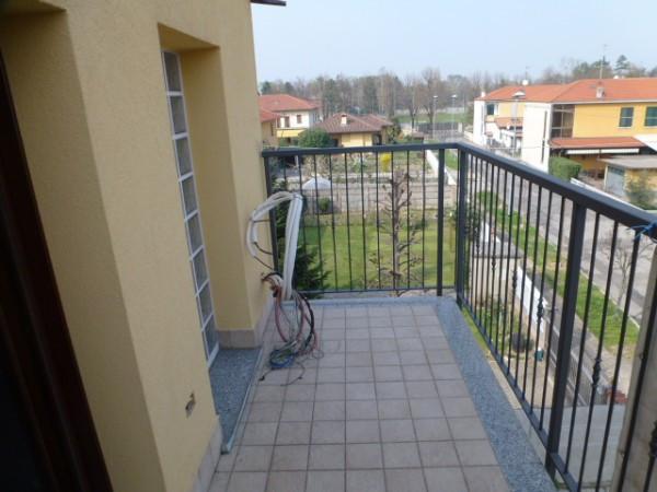 Bilocale Origgio Via Padre Sozzi 6